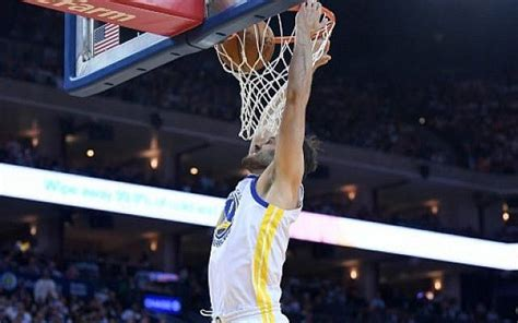 Omri Casspi of the Golden State Warriors goes up for a