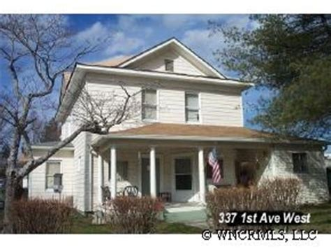 337 1st Ave West - Hendersonville, NC   Apartment Finder