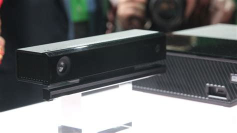 Xbox One Kinect can comprehend two voices at once, read